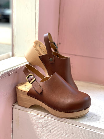 Fatima Clog in Tan from Novacas