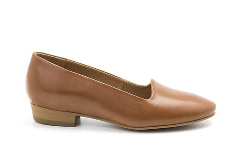 Classic loafer in tan vegan leather with a 0.5 inch heel. Tan lining and sole.