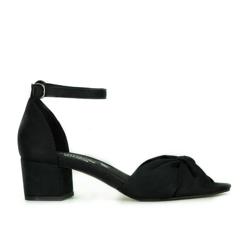 Nia Bow Heel in Black from Novacas