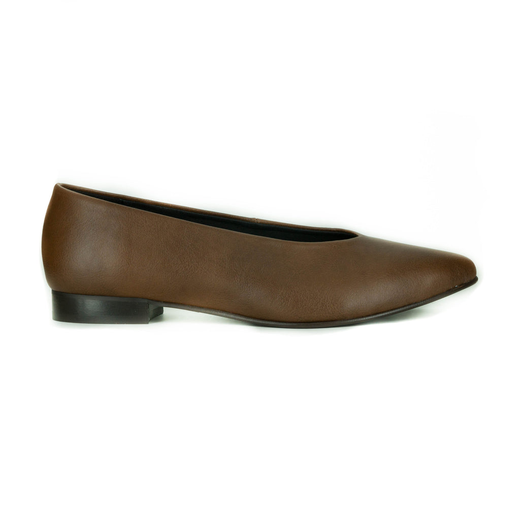 Sylvia Flat in Tan from Novacas