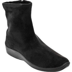 L8 Black Bootie from Arcopedico