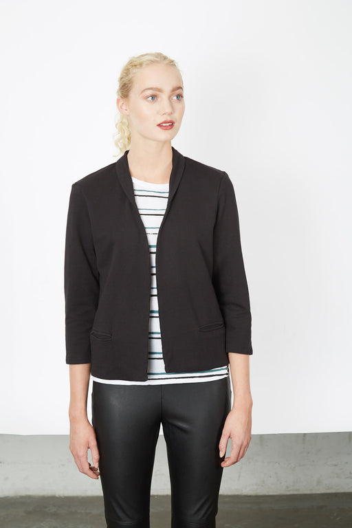 BUTTONLESS JACKET black