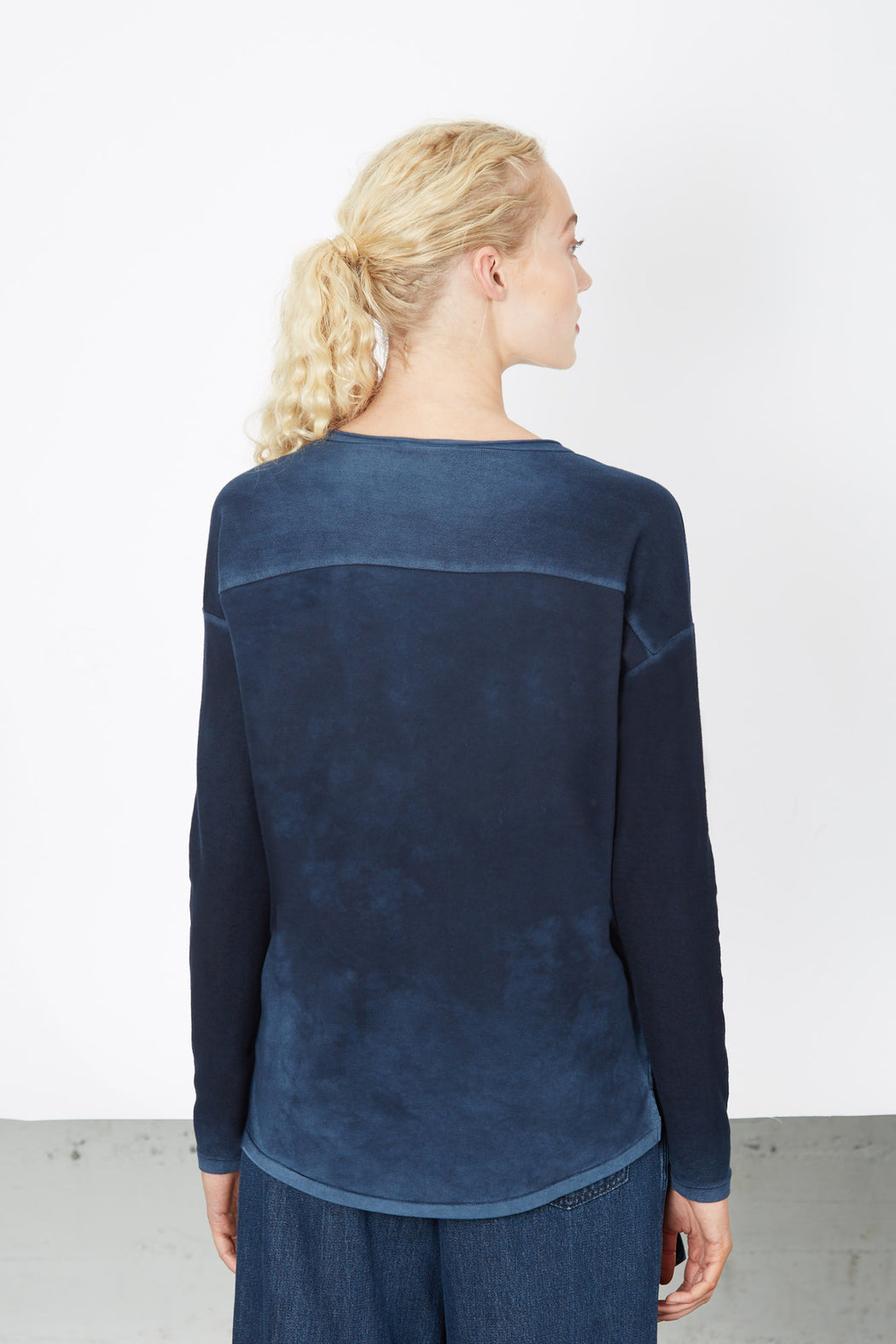 V-NECK SWEATER Indigo Blue