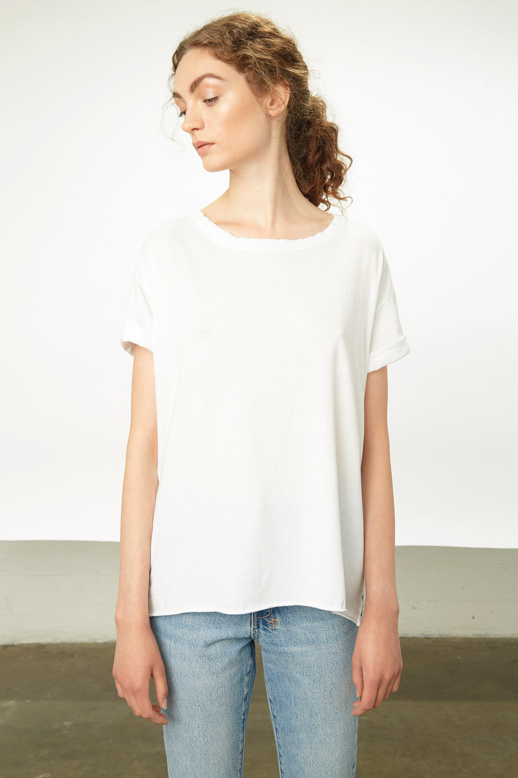 ROLLED-UP SLEEVE WHITE