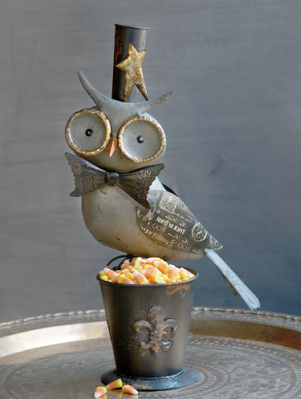 180° Owl Bucket, Metal, 18.5""