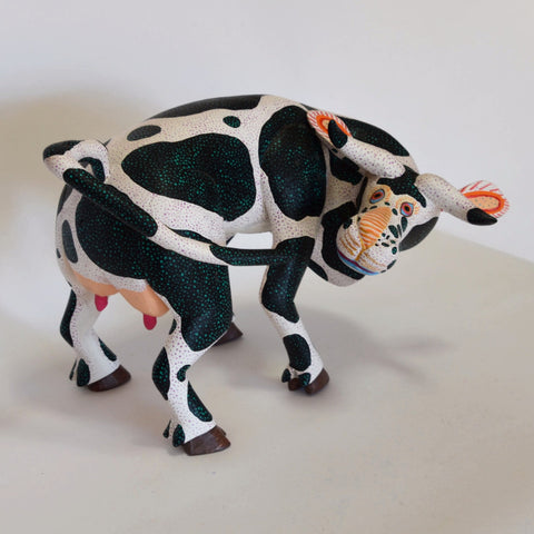 Vicente Hernandez Vasquez - Hand Carved Cow