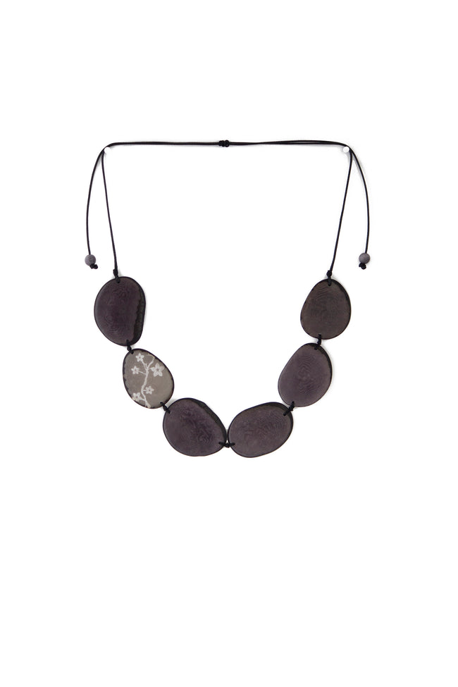 Unique and appealing Maranta tagua necklace in classic