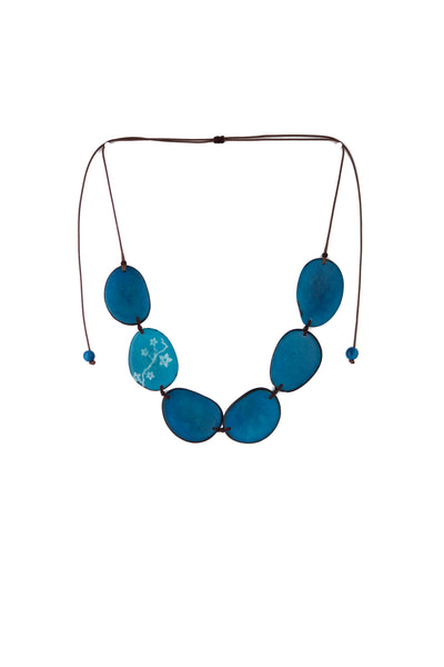 Unique and appealing Maranta tagua necklace in turquoise