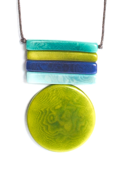 Tagua necklace representing the sun in bamboo