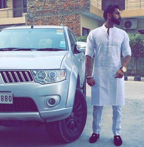 Traditional Punjabi Kurta Pajama – A Rage Among Young Men