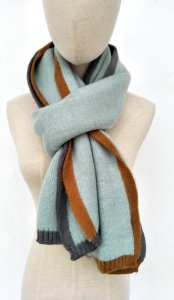 Two tone trimmed scarf