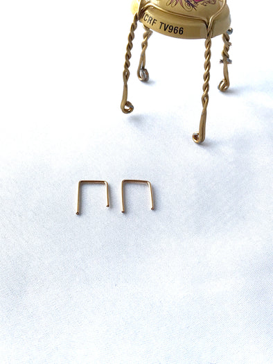Short staple earrings