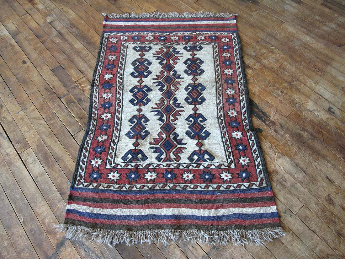 small bathroom kilim rug