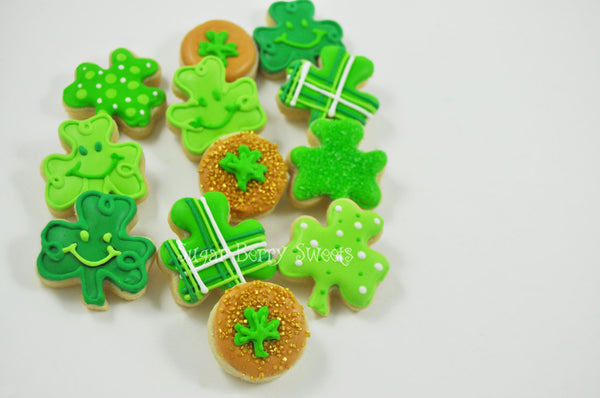 St Patrick's Day Mini Clovers - One Dozen