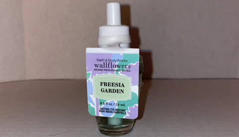 Bath & Body Works Freesia Garden Wallflower Refill