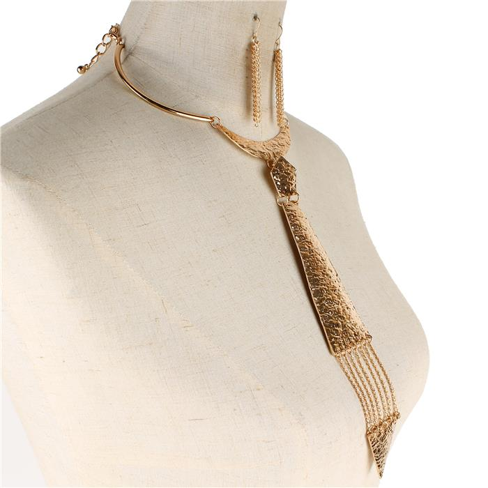 "13"" gold hammered tie necklace 2.50"" earrings 8.50"" drop"