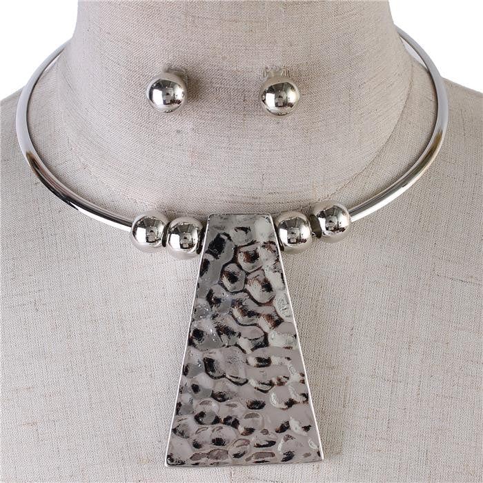 "15"" hammered 3"" pendant choker collar necklace .35"" earrings"