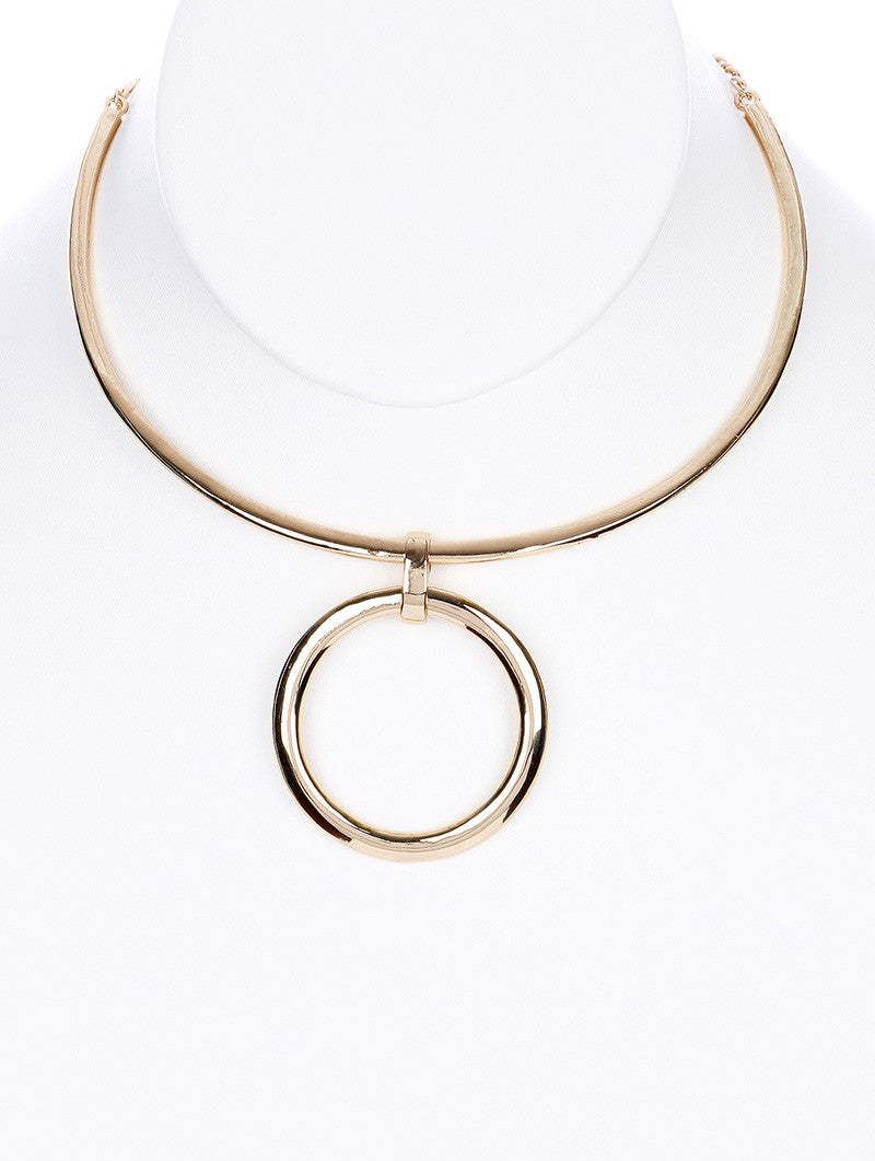 "11.50"" gold 1.75"" ring pendant choker necklace"