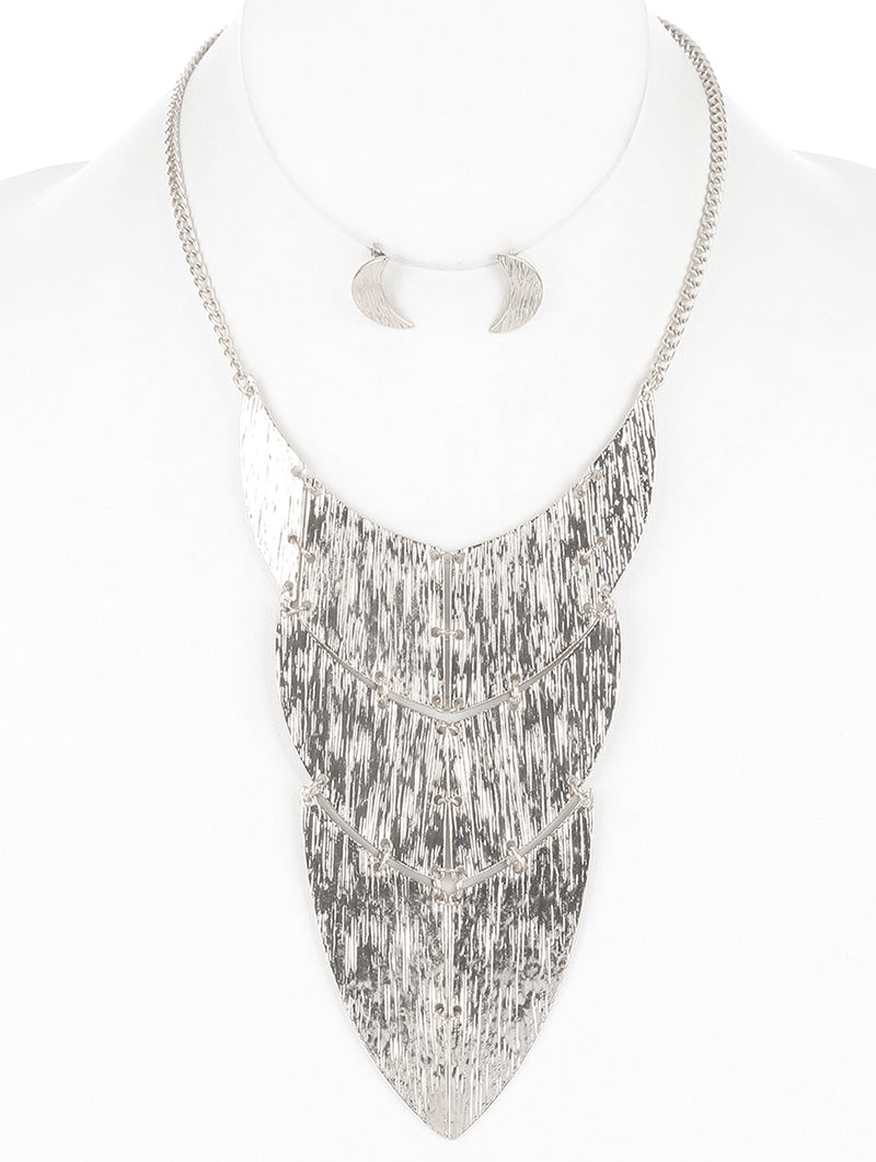 "16"" silver hammered 6.50"" plate necklace .75"" earrings"
