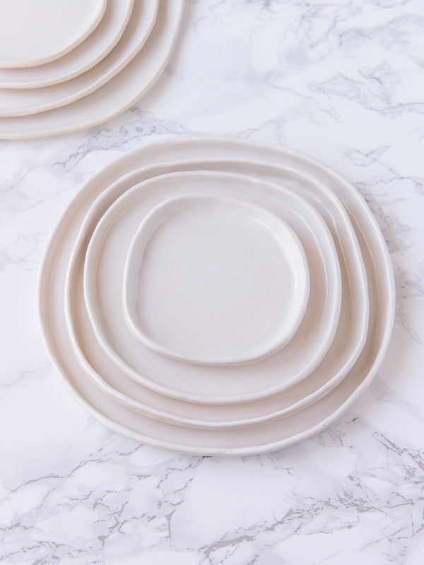 Country House Nesting Plates