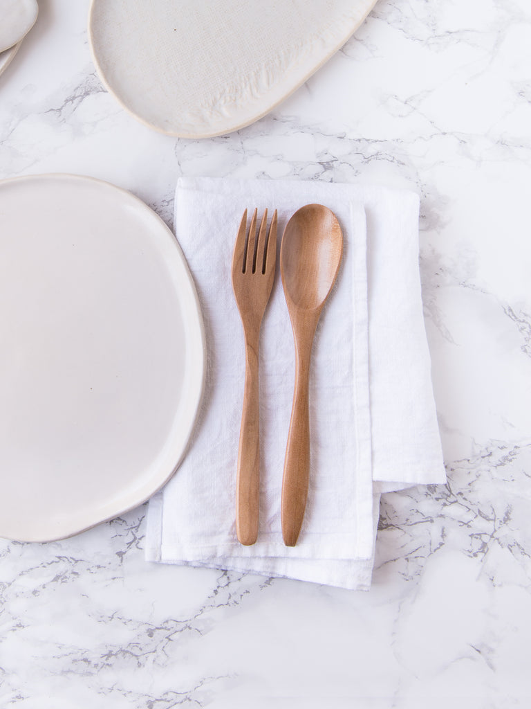 Luncheonette ~ Casual Blond Wood Cutlery