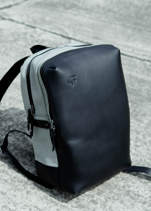 Chapter 02 - Turtle Backpack with Card Case - Monochrome