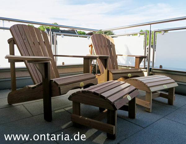 Adirondack Chairs mit Schemel