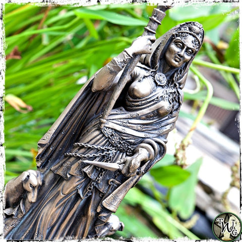 Hecate Statue, Greek Goddess, The Witch's Guide