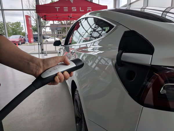 Tesla Model 3 - Location (lire description)
