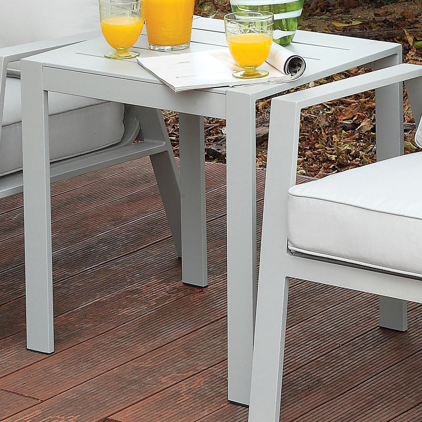 Arsey Contemporary Style Aluminum Frame Outdoor Patio End Table - HD Furniture