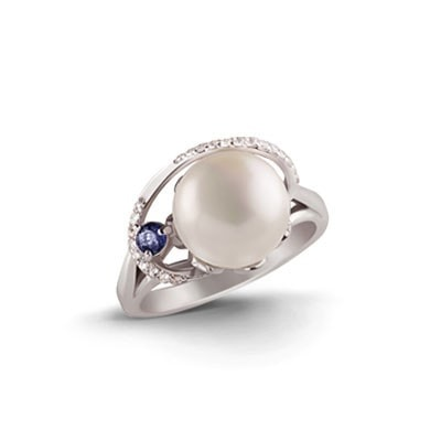 Silver ring with freshwater pearl and sapphire