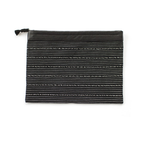 Antigua Clutch in Black & White -