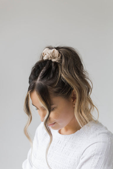 Charlie & Paisley Harlow Classic Scrunchie in Oat