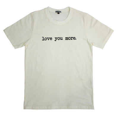 Camiseta Adulto Love You More Branco Off MINI+ME