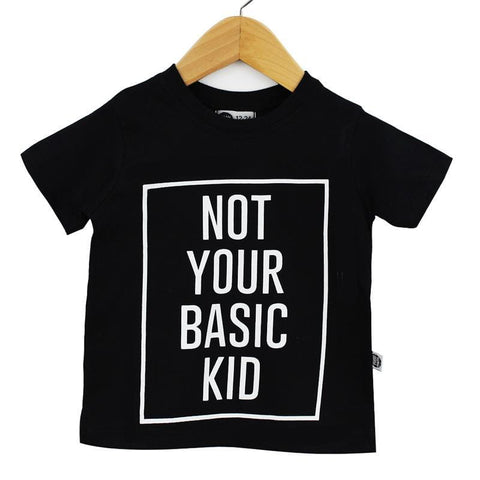 Camiseta Infantil NOT YOUR BASIC KID Fundo Preto - MiniMalista Baby