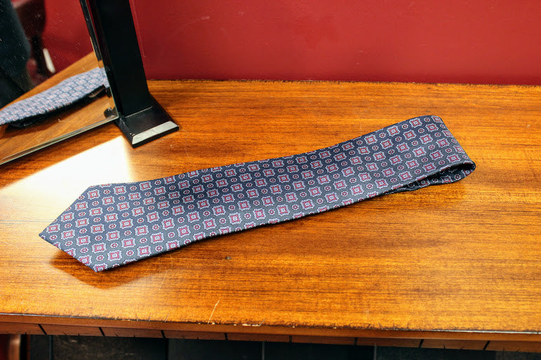 Black and Red Liberty Tie