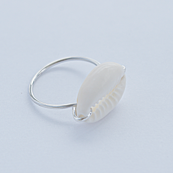 Horizontal Cowrie Ring