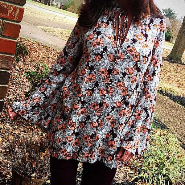 Jessica Peach Floral Key Hole Tunic