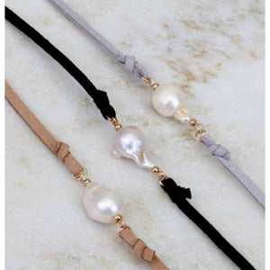 Boho  Suede strap  Choker with fresh water pearl