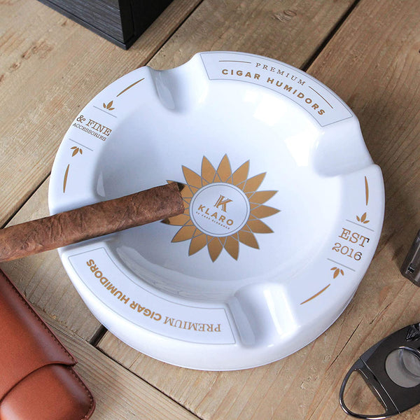 Klaro Round Large White and Gold Inlay Ceramic Ashtray for Four Cigars