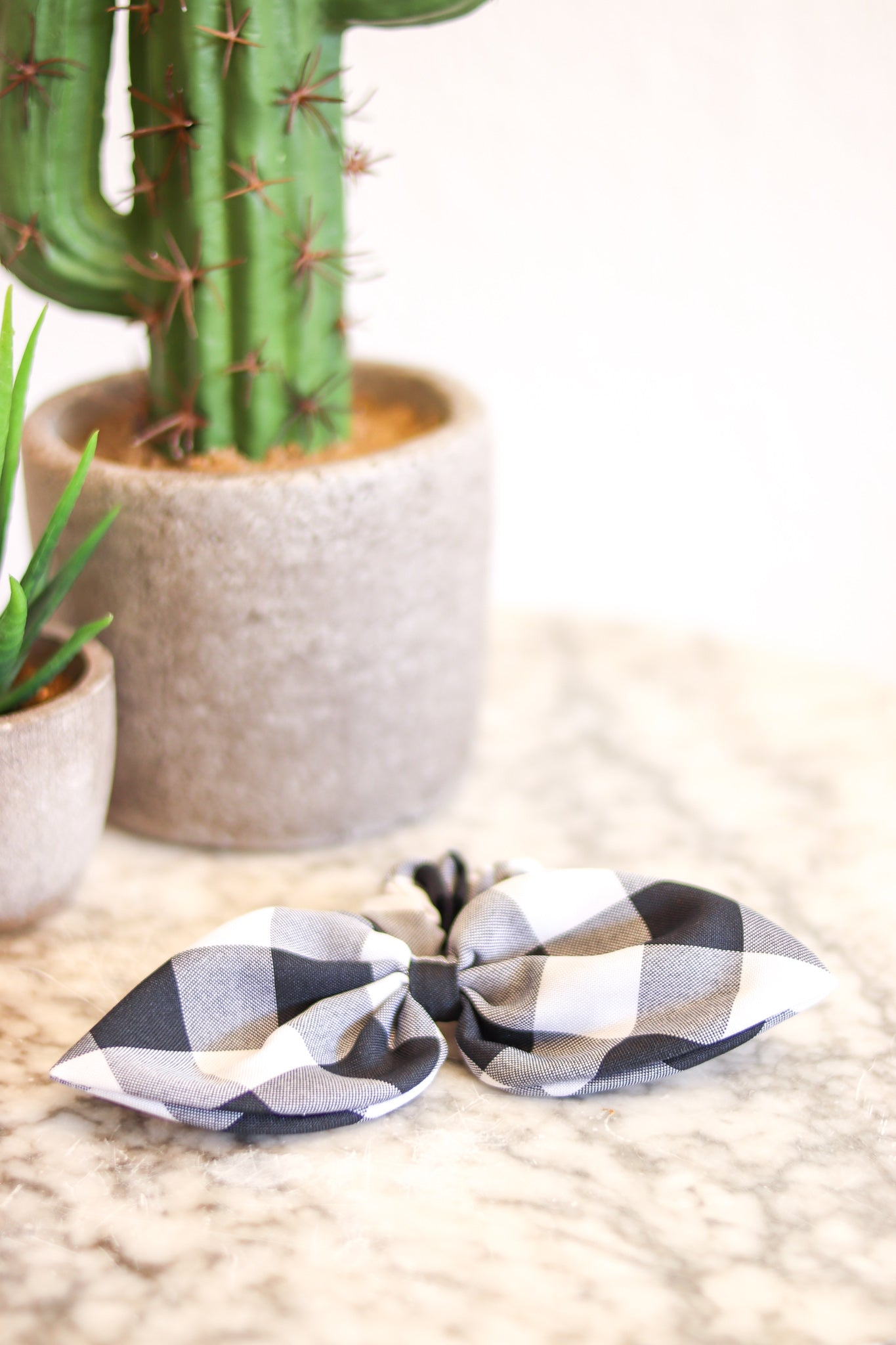 Bow Scrunchie Black Gingham