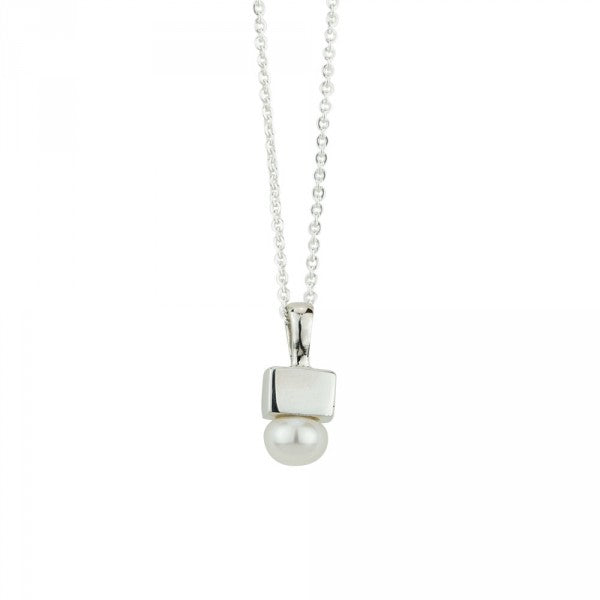 Cubist Pearl Necklace in Silver