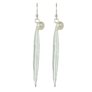 Plume Earrings in Silver and Pearl