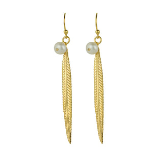 Plume Earrings In Gold And Pearl