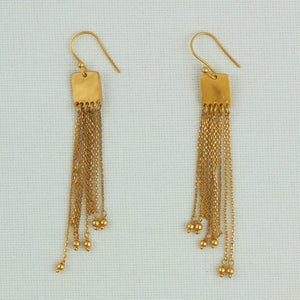 Linked Fringe Earrings In Gold