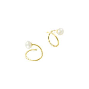 Pearl Curl Huggie Earrings in Gold
