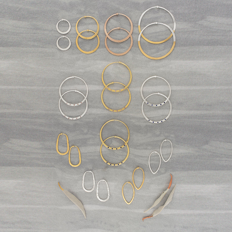 Hammered Oblong Hoops in Gold - 1 1/2""