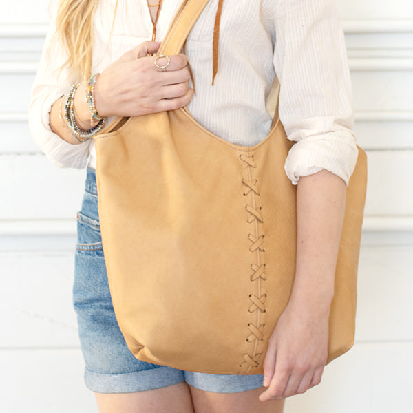 Laced Butter Bag in Buckskin