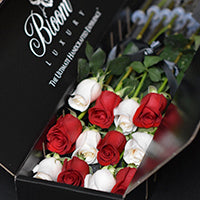 Originale Checkered - Luxury flowers in a box delivery NYC