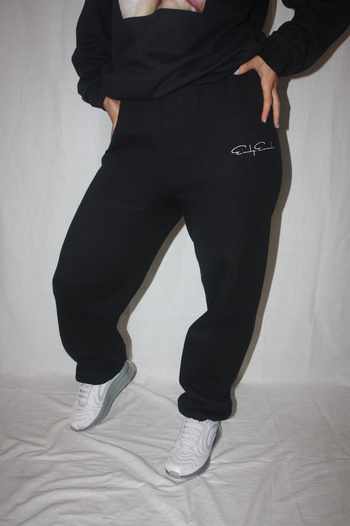 EE SWEATPANTS / BLACK